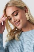 NA-KD Accessories Textured Rectangle Earrings - Gold