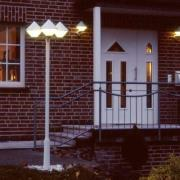 Moderne lampemast 181 i hvid med tre lys